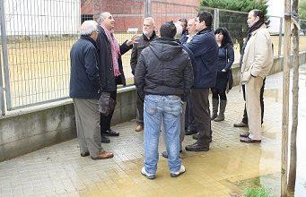 Photo of Torrijos saluda el compromiso de EPSA para solventar los problemas de canalización que sufren los vecinos del Edificio 'Euro XXI' y la Barriada Federico García Lorca