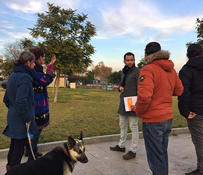 Rojas con la asociación para el esparcimiento canino de Sevilla en el parque de los Perdigones.