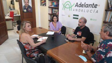 Photo of Adelante Sevilla demanda soluciones para los y las artistas de la Plaza del Museo